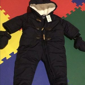 Children's place baby snowsuit 💙
